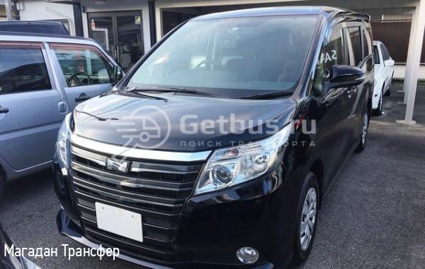 Toyota Noah Магадан